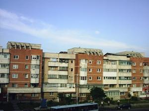 Primaria consolideaza blocuri, dar cere inapoi banii de la locatari