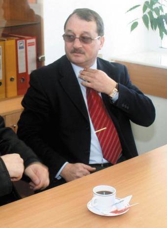 Mircea Basescu, cumatru cu Bercea Mondialu
