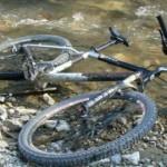 Mărgineni: Biciclistă accidentată