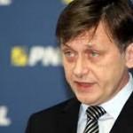 Antonescu: Băsescu foloseşte calomniile şi acuzaţiile. Noi încercăm să facem ceva legat de Schengen