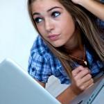 Internetul- prietenul sau dusmanul adolescentilor
