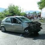 Trei victime într-un accident de circulaţie provocat de un şofer fără permis