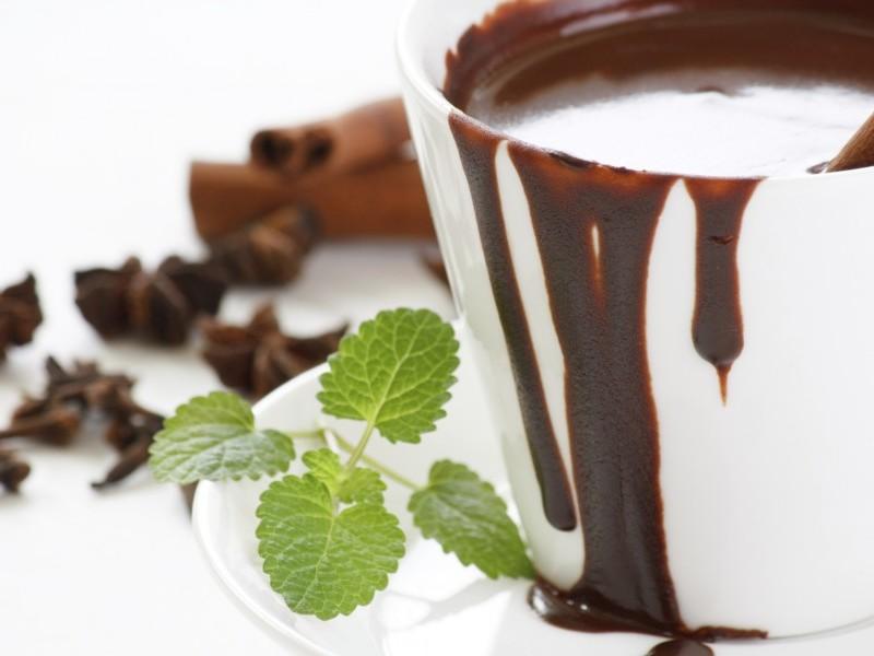 ciocolata-calda-cremoasa-cu-menta