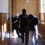 Patru tineri din Bacau, în stare de arest preventiv, pentru viol și lipsire de libertate