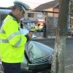 A intrat cu masina in copac