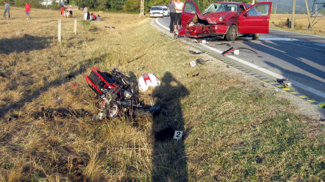 accident-moto-slatioara-02092012-642x361