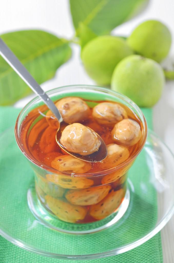 dulceata-de-nuci-verzi_©-Laurentiu-Iordache-Fotolia.com_