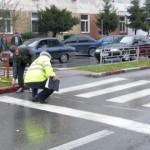 A trecut pe roșu și a accidentat o tânără care traversa regulamentar