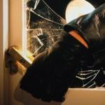 Furturi din locuință, soluționate de polițiști