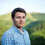 Cristian Ghingheş, fost lider al elevilor băcăuani, a dat în judecată MEC