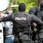 Zece persoane specializate in trafic de droguri, retinute