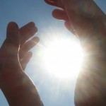 Soarele şi beneficiile pe care le aduce sănătăţii noastre