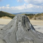 MONUMENTE ALE NATURII DIN ROMÂNIA: Vulcanii noroioși din Buzău