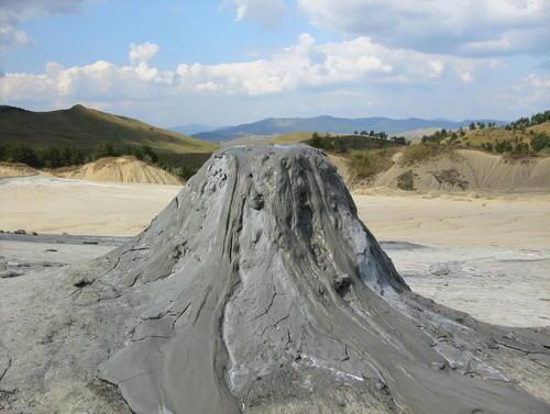 image-2009-08-21-6069836-56-vulcanii-noroiosi