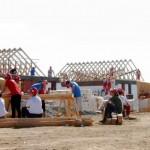 8 familii din Bacău vor avea propria casă, ridicată în numai 5 zile