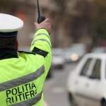 Conducea fără permis și nu a oprit la semnalele polițiștilor