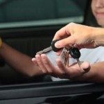 Minor depistat în flagrant în timp ce conducea un autoturism