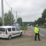 A condus fără permis un autoturism neînmatriculat și nu a oprit la semnalele polițiștilor