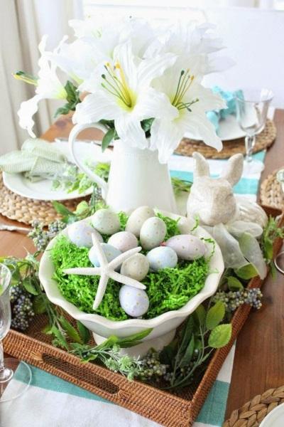 8-decor-din-oua-flori-iarba-si-vase-ceramice-pentru-masa-de-Pasti