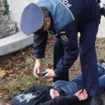 Depistat de polițiști, la scurt timp după ce a sustras bunuri și bani dintr-un chioșc