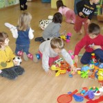 "Inca 29.000 copii din familii defavorizate vor putea beneficia de Programul ""Fiecare Copil in Gradinita"""