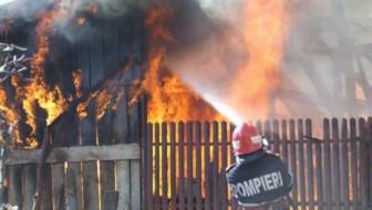 Incendiu magazie în comuna Poduri