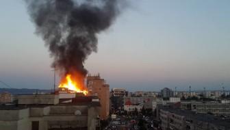 Incendiu puternic in centrul Bacaului