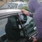 Depistat în timp ce conducea un autoturism sustras, fără a poseda permis și aflându-se sub influența alcoolului