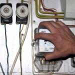 Furt de contori de energie electrică soluționat de polițiști