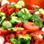 Salată asortată de primăvară