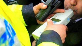 Bărbat cercetat de poliţişti pentru conducere sub influenţa alcoolului