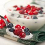 Cum să prepari acasă un iaurt delicios şi sănătos