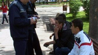 Acţiune a poliţiştilor pentru combaterea absenteismului şcolar