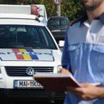 Depistaţi de poliţişti în timp ce conduceau sub influenţa băuturilor alcoolice