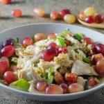 Salată de pui şi struguri