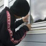 Doi minori cercetaţi de poliţişti pentru furt