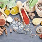 10 condimente ce îţi pot ajuta digestia