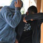 Reţinuţi de poliţişti pentru lipsire de libertate în mod ilegal şi lovire sau alte violenţe