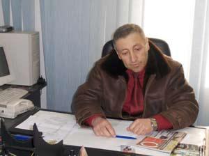 Primarul din Dofteana sustine ca e santajat de PD