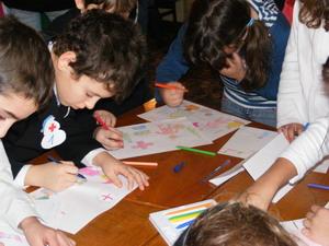 Copiii, incurajati sa creeze obiecte utile din deseuri
