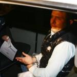 Serea arestat 24 de ore pentru o şpagă de 20.000 de dolari! Martiş reţinut şi el pentru complicitate