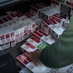 Prins in flagrant in timp ce transporta ţigari sustrase