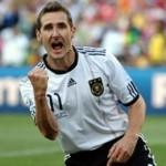 Miroslav Klose, egal cu marele Pele