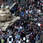 Cel puţin 125 morţi în urma protestelor din Egipt. Poliţia egipteană va reveni în oraşe, după două zile de absenţă