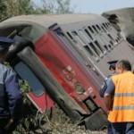 Locomotiva unui tren personal a sărit de pe linie