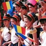 """Desteapta-te, romane!"", intonat obligatoriu in toate scolile primare si gimnaziale din Romania? Propunerea legislativa – comentata de profesori, ministri si presedinte"