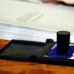 Decizie a BEC: Buletinele de vot mâzgălite sau cu mai multe ştampile vor fi validate