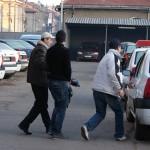 Posesor de mandat depistat de poliţişti
