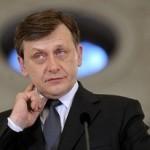 Crin Antonescu a propus eliberarea din funcţie a şefului STS
