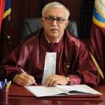 România co-ruptă la cur-te de dinozauri